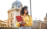 去澳洲留学中介应该怎么选?